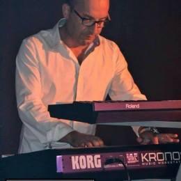 Antonio Faedda (tastiere e Synt.)